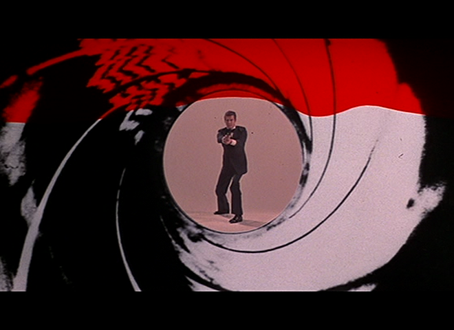 The-Spy-Who-Loved-Me-James-Bond-Roger-Moore-gun-barrel